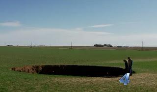 Buraco gigante surge também em Oklahoma EUA e intriga moradores.