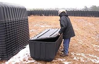 Nos EUA os caixões já estão prontos, e para os outros países será que vão usar estes buracos?